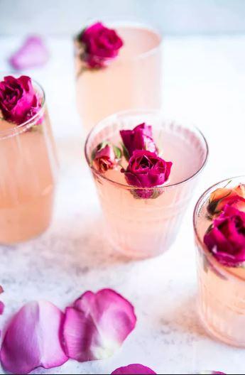 11 cócteles florales que se ven tan bien como saben