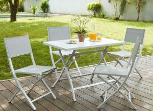 Mesa de jardín ibicenca