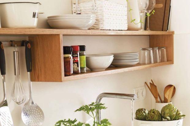 estantes de cocina de madera